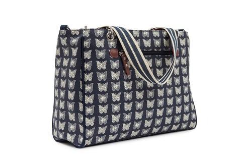 Pink Lining BRAMLEY TOTE krémoví motýlci na modrém podkladu - kabelka i přebalovací taška